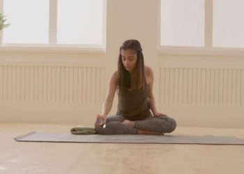 How to clean lululemon yoga mat