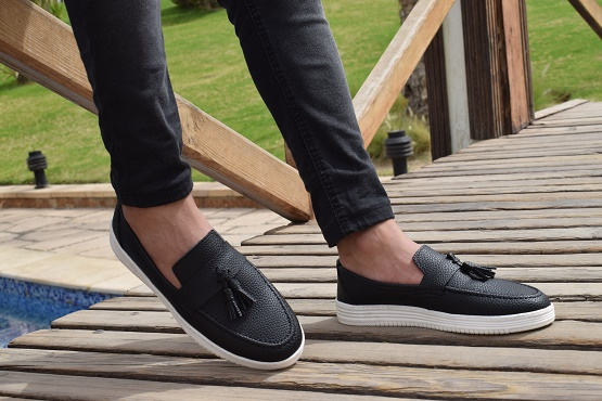 Best Men's Shoes For Standing All Day On Concrete